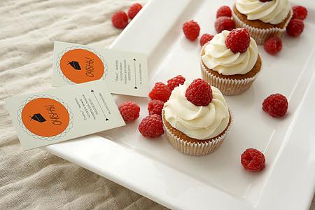 cupcakes with creams