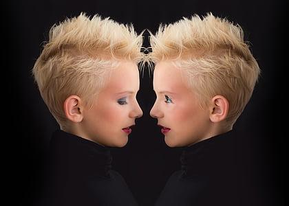 women's mirror photo