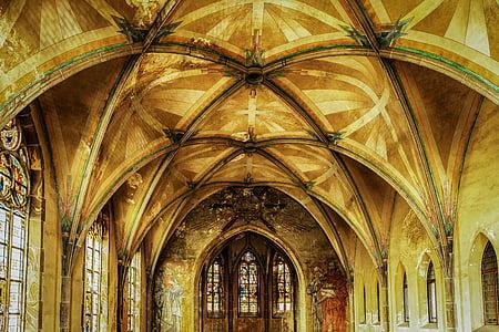 interior ceiling on concrete building