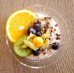 parfait with sliced fruits