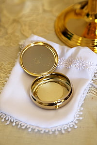 round gold-colored case
