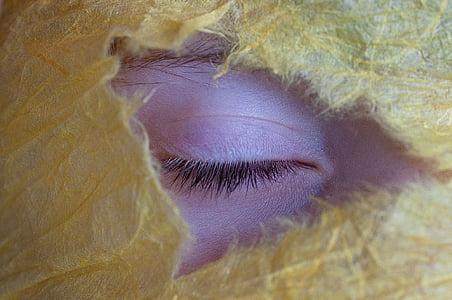 person's close eye