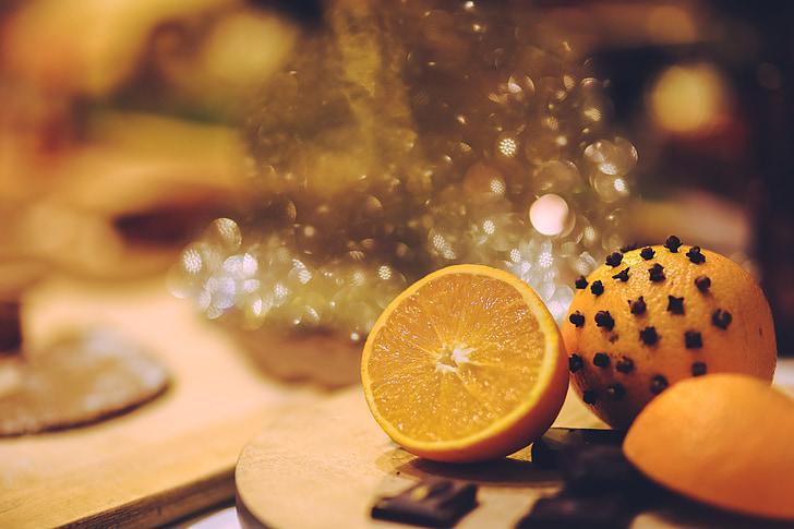 selective focus photography lemon on tabletop