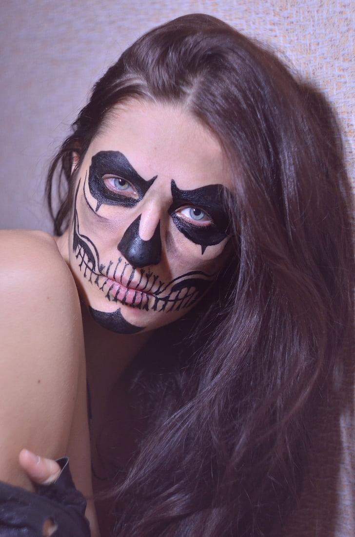 Royalty-Free Photo Photo Of Woman Putting Skull Makeup -5605