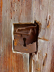 brown rusted keyhole
