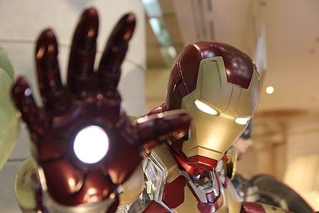 Marvel Iron-Man lighted statue
