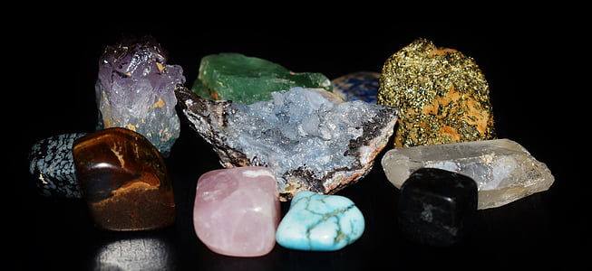 assorted-color of stone and bead lot