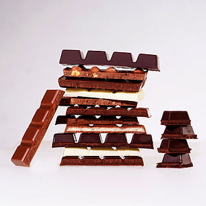 chocolate and milk chocolate bar lot