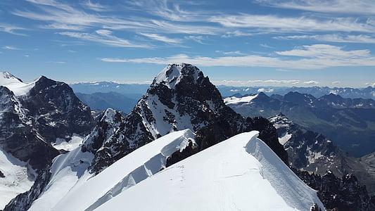 mountain alps at daytime