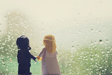 woman and man plastic mini figures