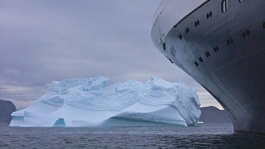 gray iceberg