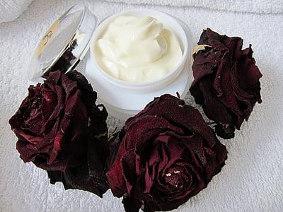three rose roses