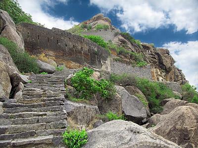 ancestral rock buildings