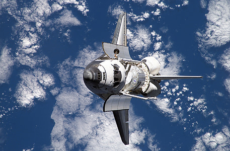 birds eye photography of space shuttle