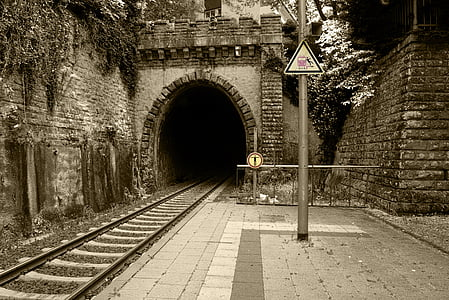 train tunnel photography during daytime