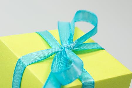 blue ribbon box