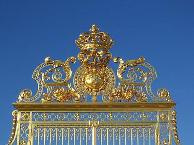 gold crown gate