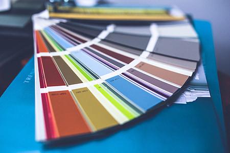 closeup photo of color wheel