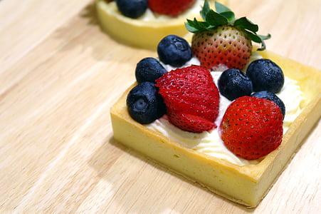 fruit cake pastry