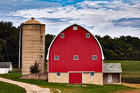 red and beige barn