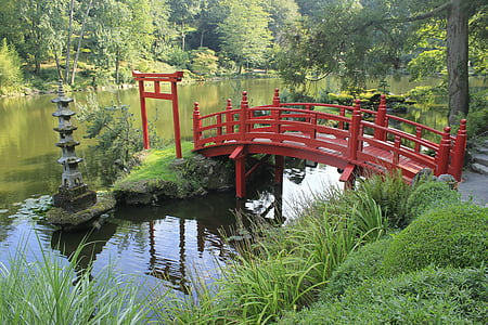 red bridge wishing well