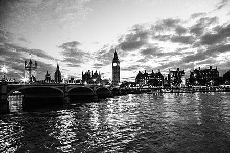 grayscale photography Elizabeth Palace, London