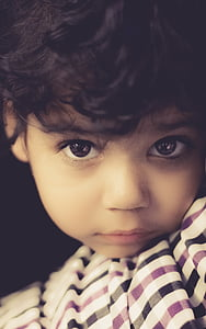 close-up photography of a boy