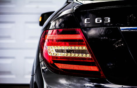 black Mercedes-Benz C63