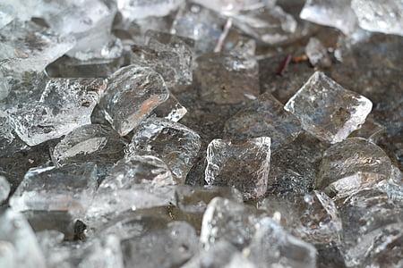 ice cube lot