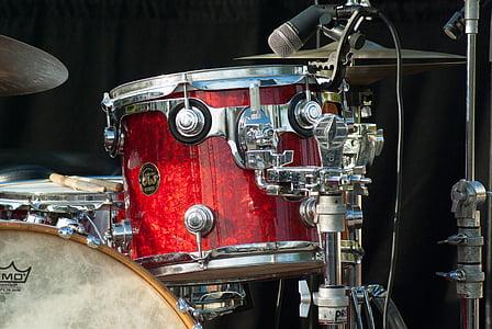 red and gray drum close up photo