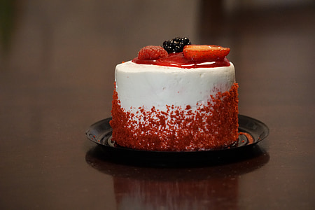 white and red icing cake