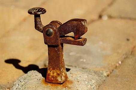 brown metal clamp