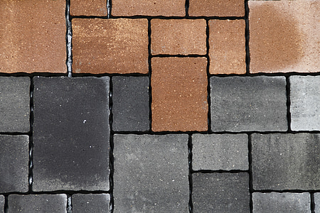 gray and brown concrete bricks