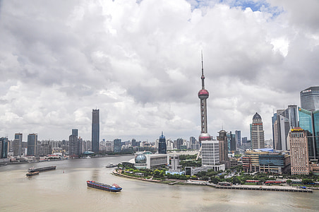 Oriental Pearl Tower beside river