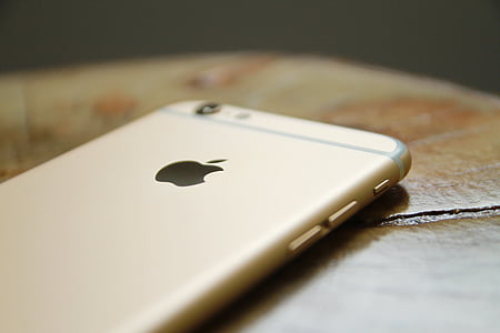 close-up photography of gold iPhone 6