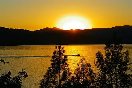 mountain under golden hour