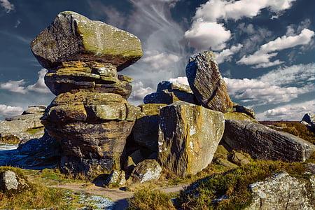gray rock monolith