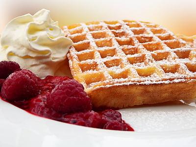 closeup photo of dessert on plate