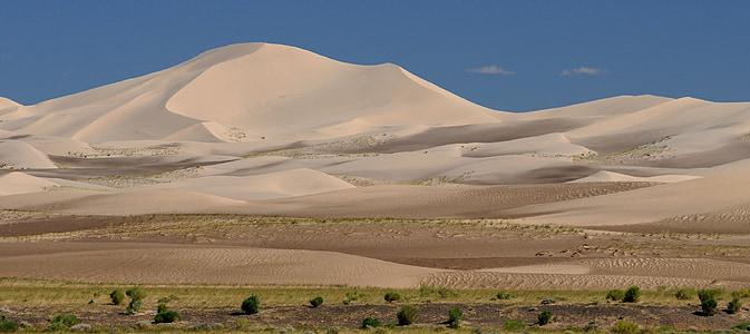 beige desert at daytime