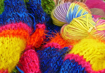bunch of assorted-color yarn
