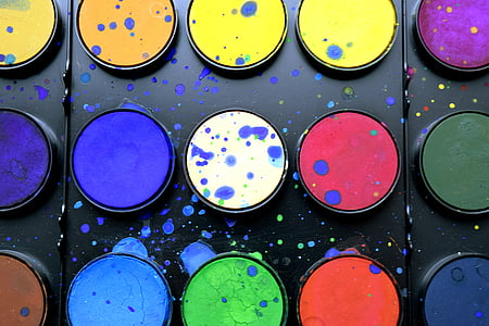 closeup photo of watercolor palette