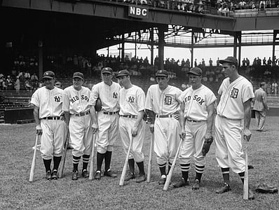 greyscale photo of baseball players