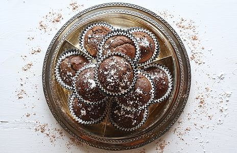 platter of cupcakes