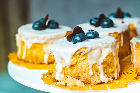 blueberry pastry