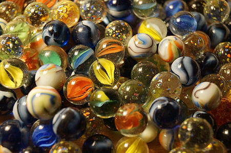 close-up photography of marble balls