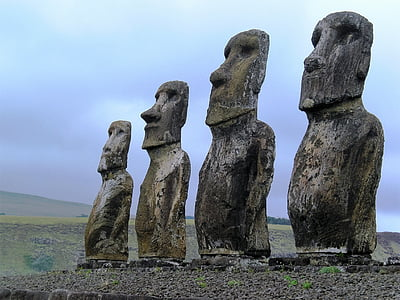 four Moai's
