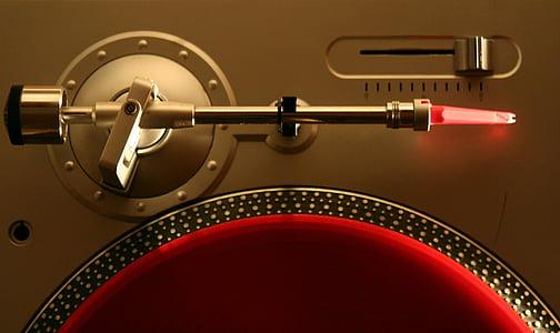 gray vinyl player close-up photography