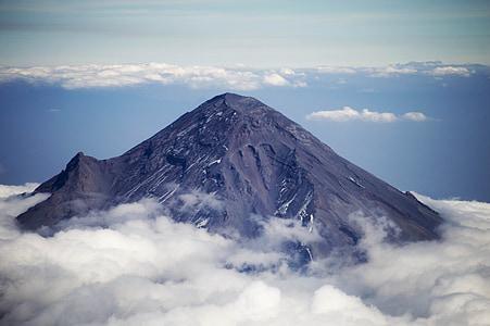 cloud around mountain