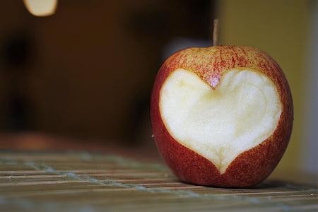sliced apple fruit