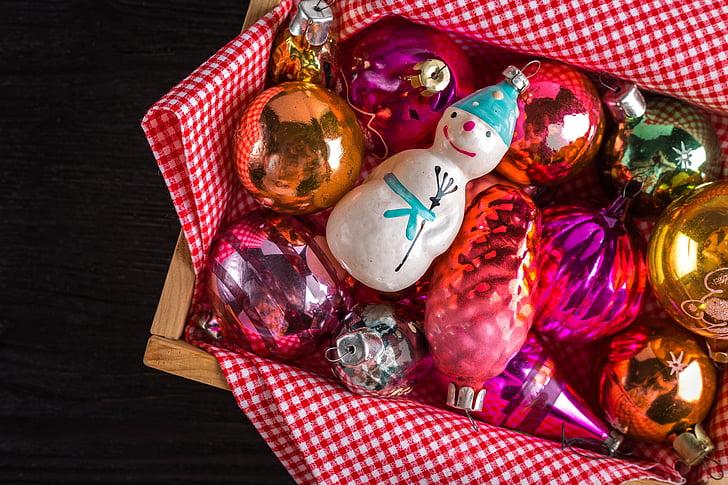 assorted ornaments lot